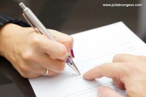 signing-divorce-contract